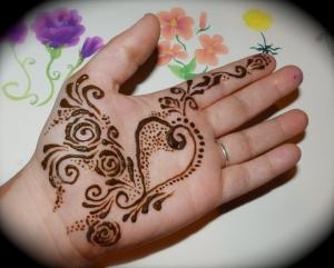 Henna hand art